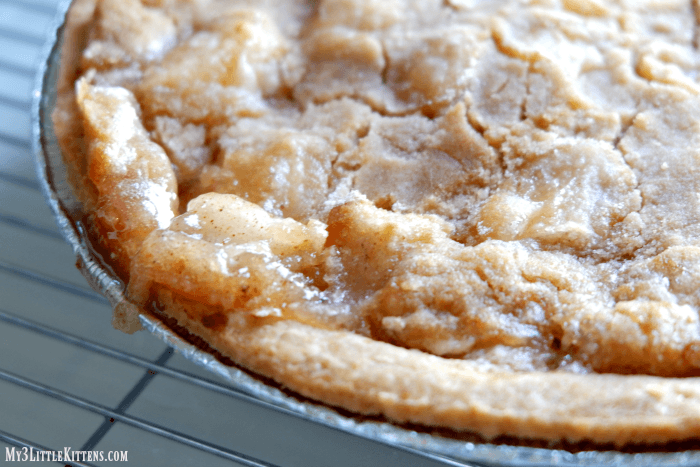 easy apple crumble pie my 3 little kittens. Black Bedroom Furniture Sets. Home Design Ideas