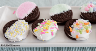 These Easter Oreo Cookies are perfect of kids of all ages! Such a fun dessert recipe to make!