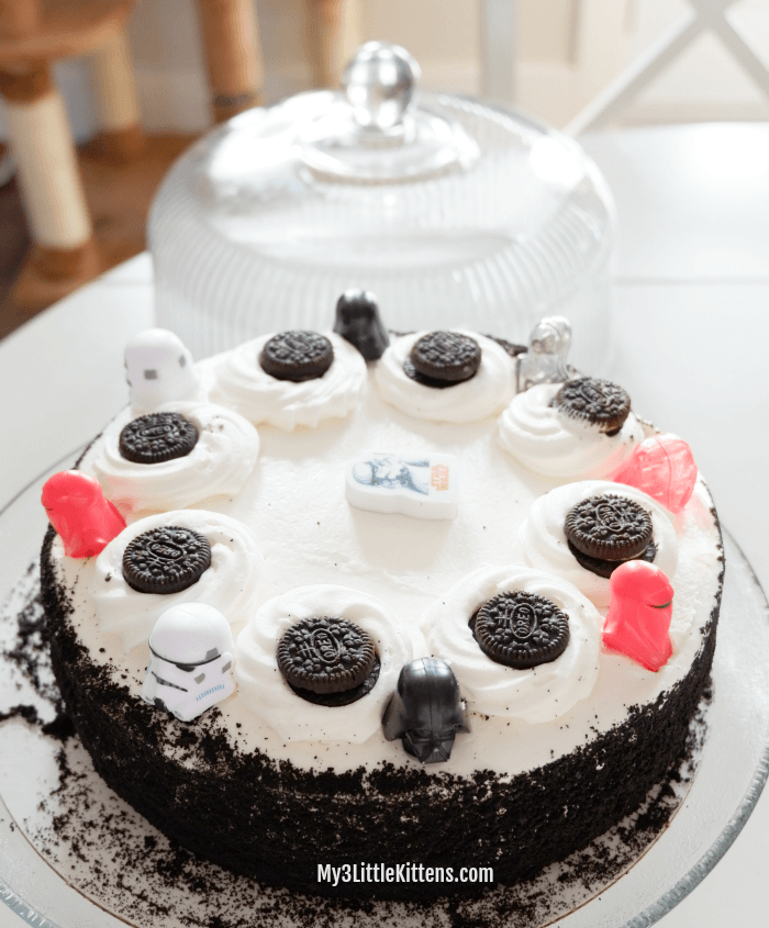 Easy Star Wars Cake